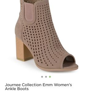 Journee Collection Shoes - Size 8.5 Journee Ankle Boots